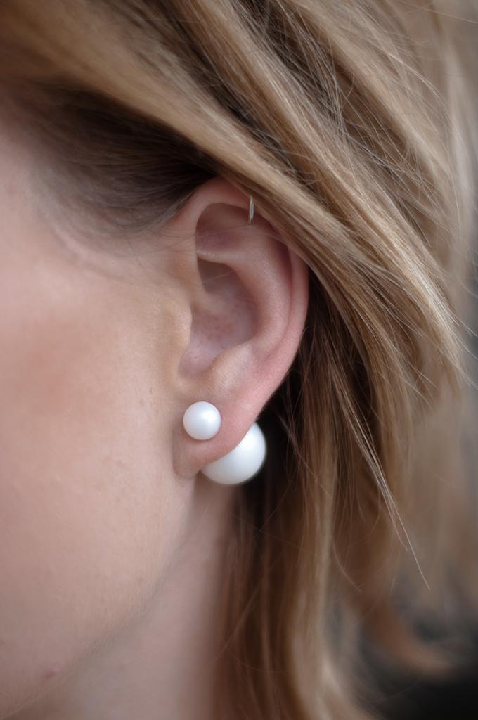 RED REIDING HOOD: Fashion blogger wearing mise en dior tribal pearl earrings KO Pieces bead closure earrings helix piercing