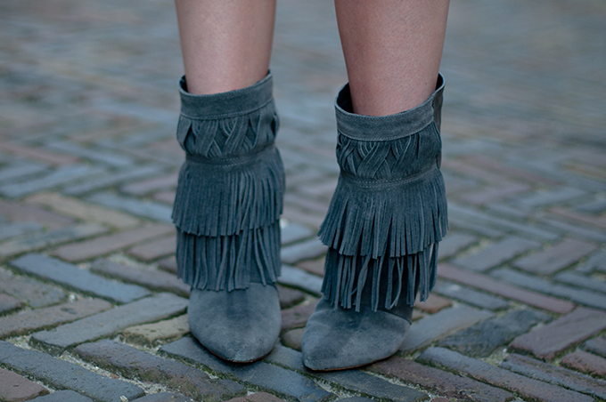 RED REIDING HOOD: Grey jacob fringe suede and leather wedge ankle boots designer shoes KO costes laarsjes streetstyle