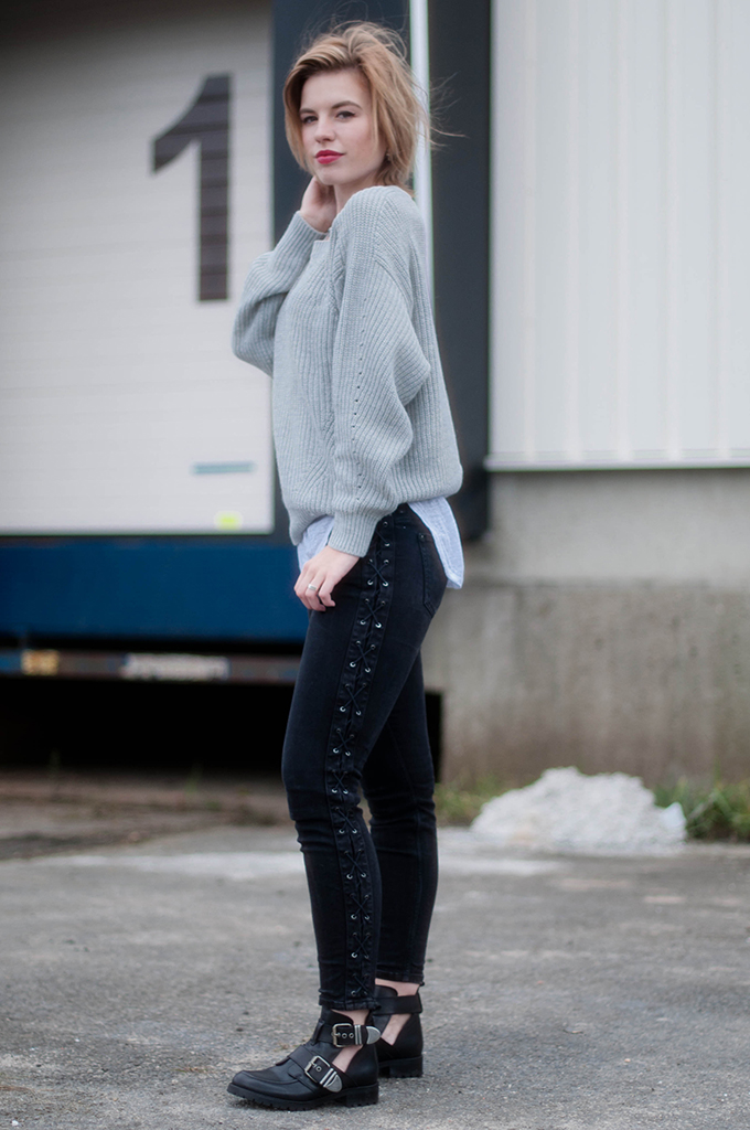 RED REIDING HOOD: Fashion blogger wearing sacha shoes cut out buckle boots streetstyle lace up jeans model off duty look oversized jumper knitwear outfit