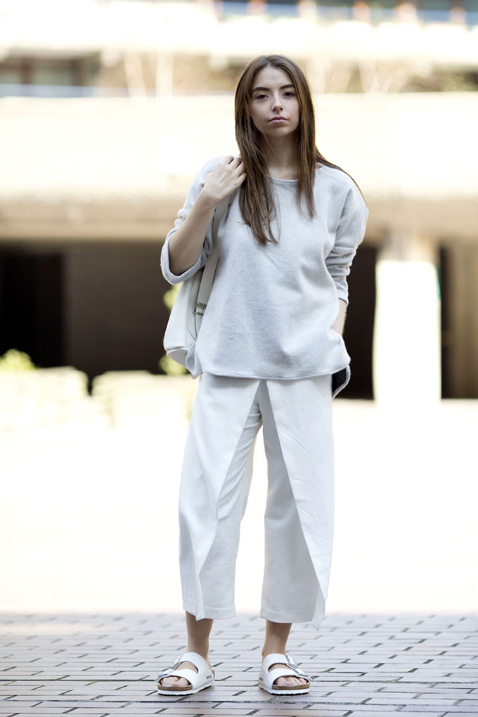 RED REIDING HOOD: Fashion blogger cocochic wearing white culottes streetstyle