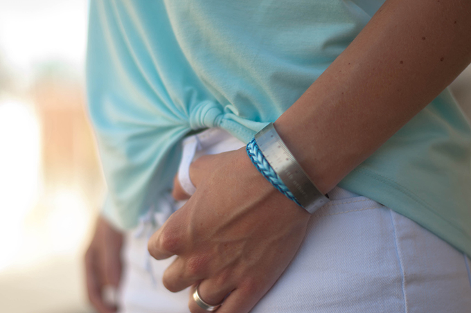 RED REIDING HOOD: Fashion blogger wearing bandhu measurement bracelet streetstyle friendship bracelet market outfit details