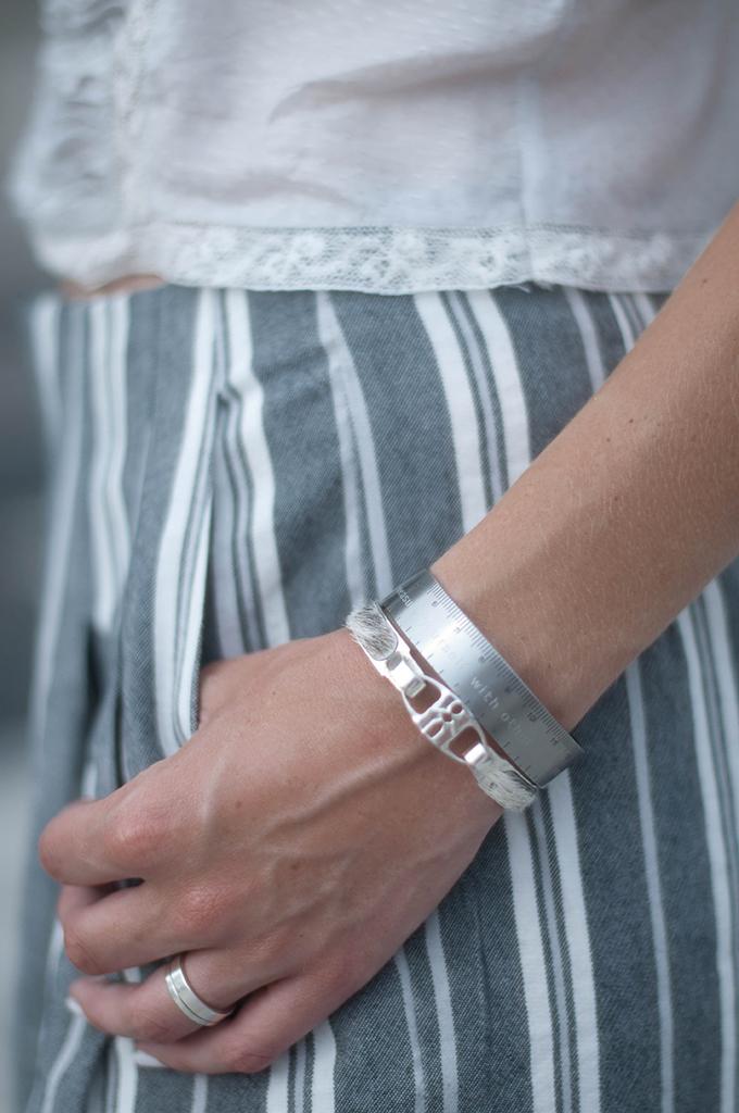 RED REIDING HOOD: Fashion blogger wearing Bandhu bracelets outfit details