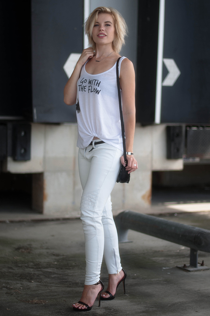 RED REIDING HOOD: Fashin blogger wearing all white everything outfit white leather pants alchimie etsy