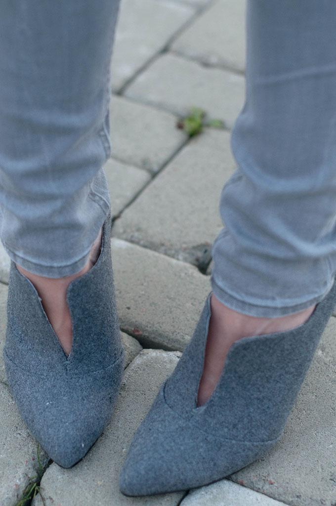 RED REIDING HOOD: Fashion blogger wearing cut out pumps invito schoenen grijs jeans outfit details