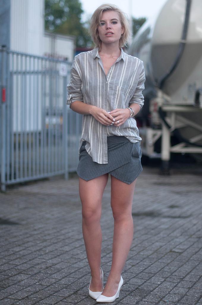 RED REIDING HOOD: Fashion blogger wearing pinstripe skort Zara linen shirt stripes street style all grey outfit