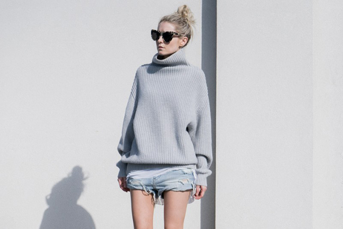 RED REIDING HOOD: Fashion blogger Figtny wearing turtleneck knitwear and denim streetstyle one teaspoon shorts