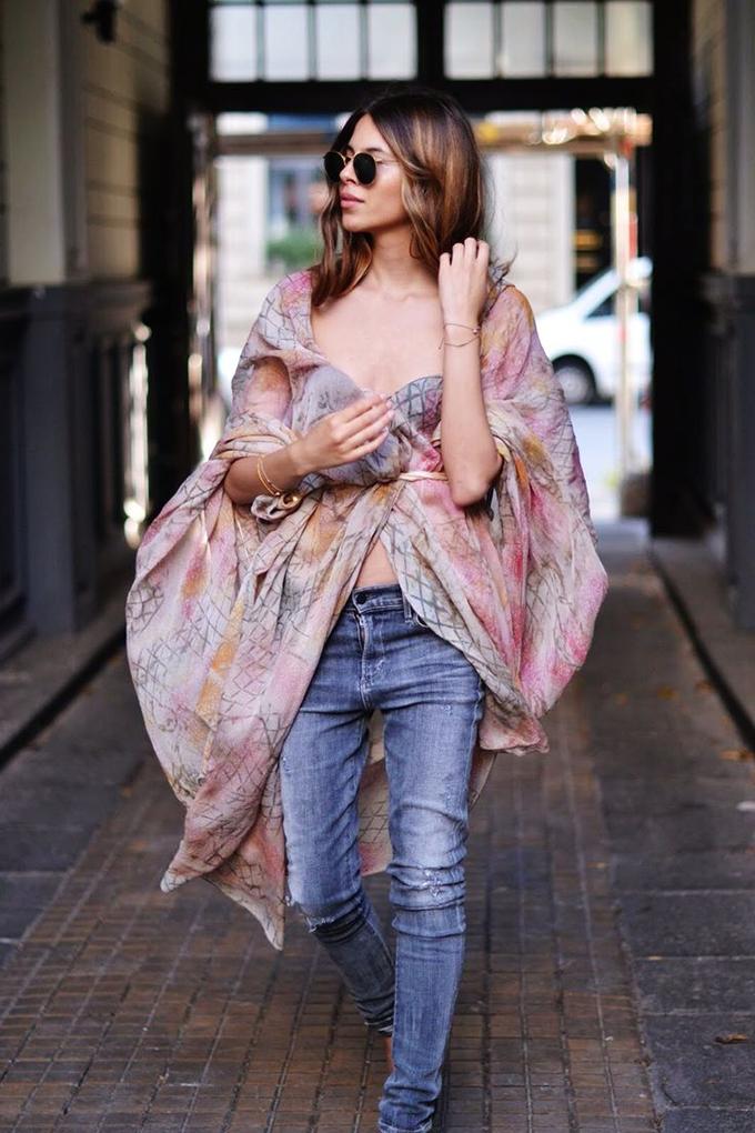 RED REIDING HOOD: Fashion blogger Maja Wyh style kimono jeans model off duty look