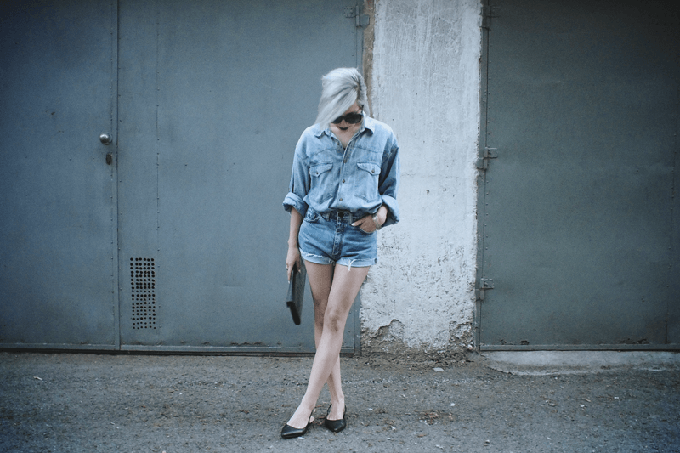 RED REIDING HOOD: Fashion blogger Moi Minnie wearing doubel denim suit street style jeans
