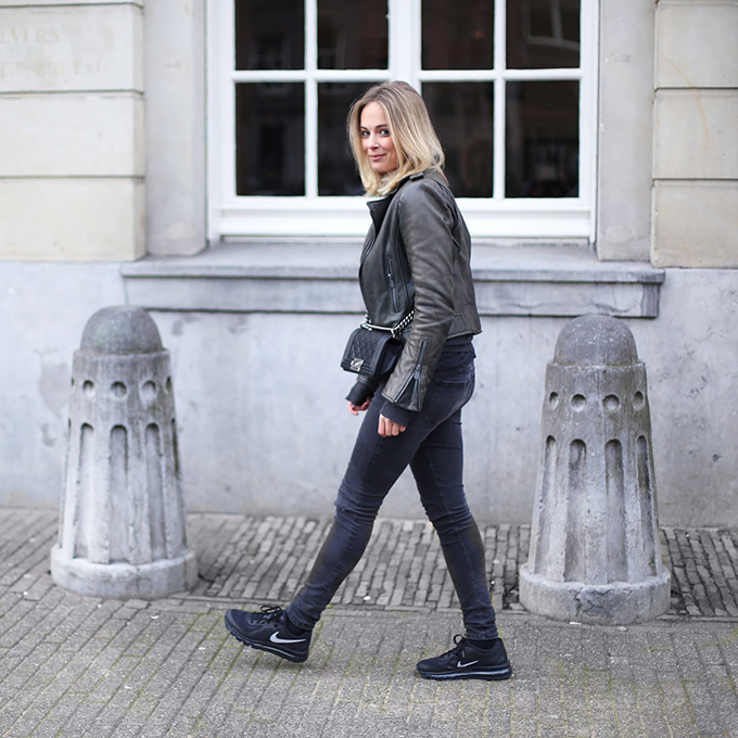 RED REIDING HOOD: Fashion blogger LizaChloe wearing Nike Air Max 2014 all black everything outfit street style