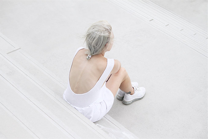 RED REIDING HOOD: Ivania Carpio fashion blogger love aesthetics wearing nike air max 2014 sneakers all white outfit