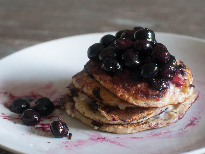 RED REIDING HOOD: Food blogger guilt free recipe clean banana coconut pancakes blueberries cottage chees