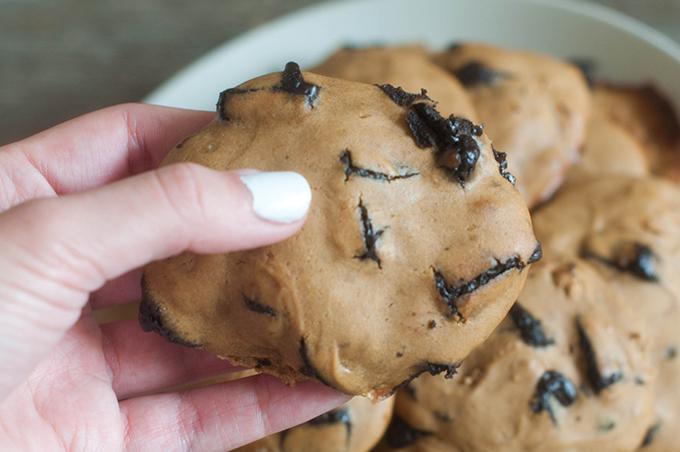 RED REIDING HOOD: Healthy food clean snacks guilt free greek yogurt chocolate chip cookies