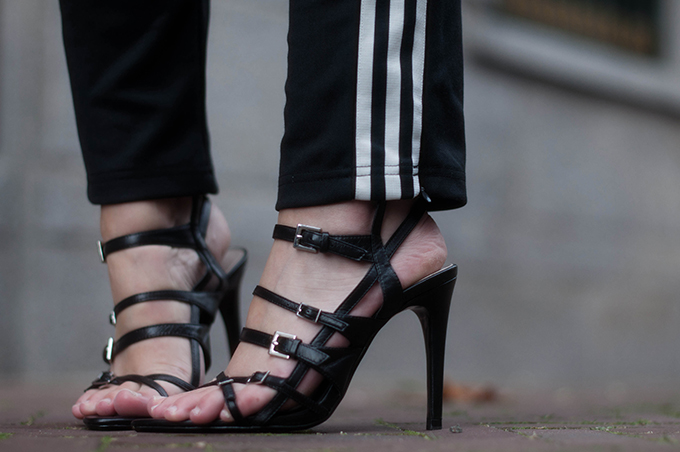 RED REIDING HOOD: Fashion blogger wearing striped Adidas pants heels street style zara strappy sandals outfit details