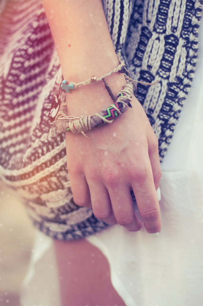 RED REIDING HOOD: Fashion blogger wearing ibiza bracelet handmade jewellery style and pepper street style bohemian outfit