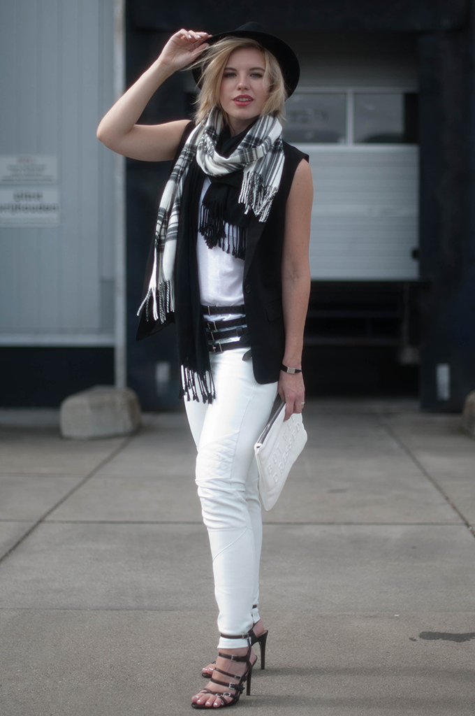 RED REIDING HOOD: Fashion blogger wearing black and white outfit tartan scarf white leather pants street style fedora hat