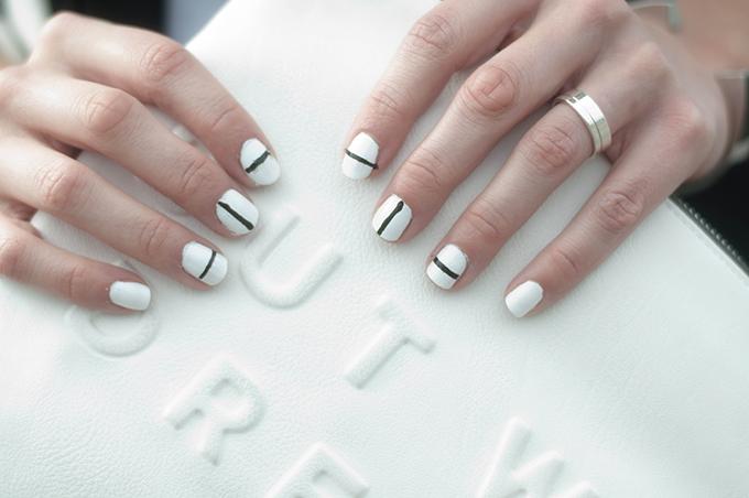 RED REIDING HOOD: Beauty blogger minimalistic manicure DIY tibi nails outfit details zara clutch