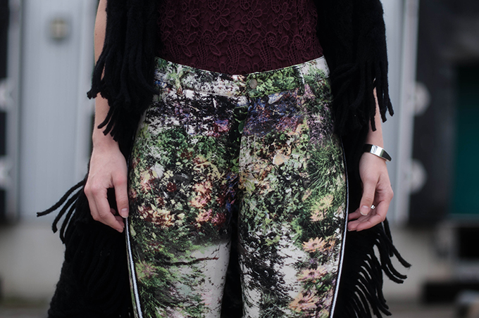 RED REIDING HOOD: Fashion blogger wearing high waisted floral pants street style oxblood burgundy lace top model off duty look