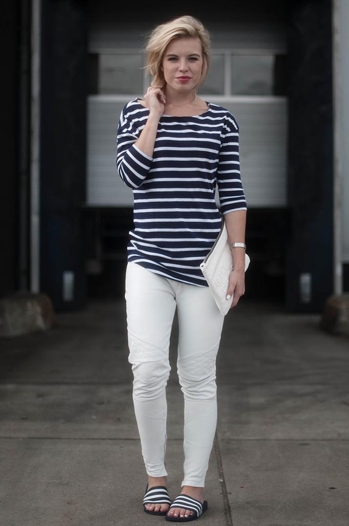 RED REIDING HOOD: Fashion blogger wearing white leather pants Alchimie street style adidas adilette pool slides model off duty look