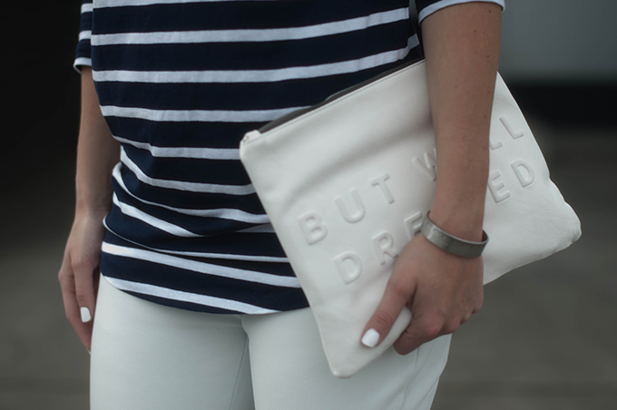RED REIDING HOOD: Fashion blogger wearing stressed but well dressed text clutch zara street style