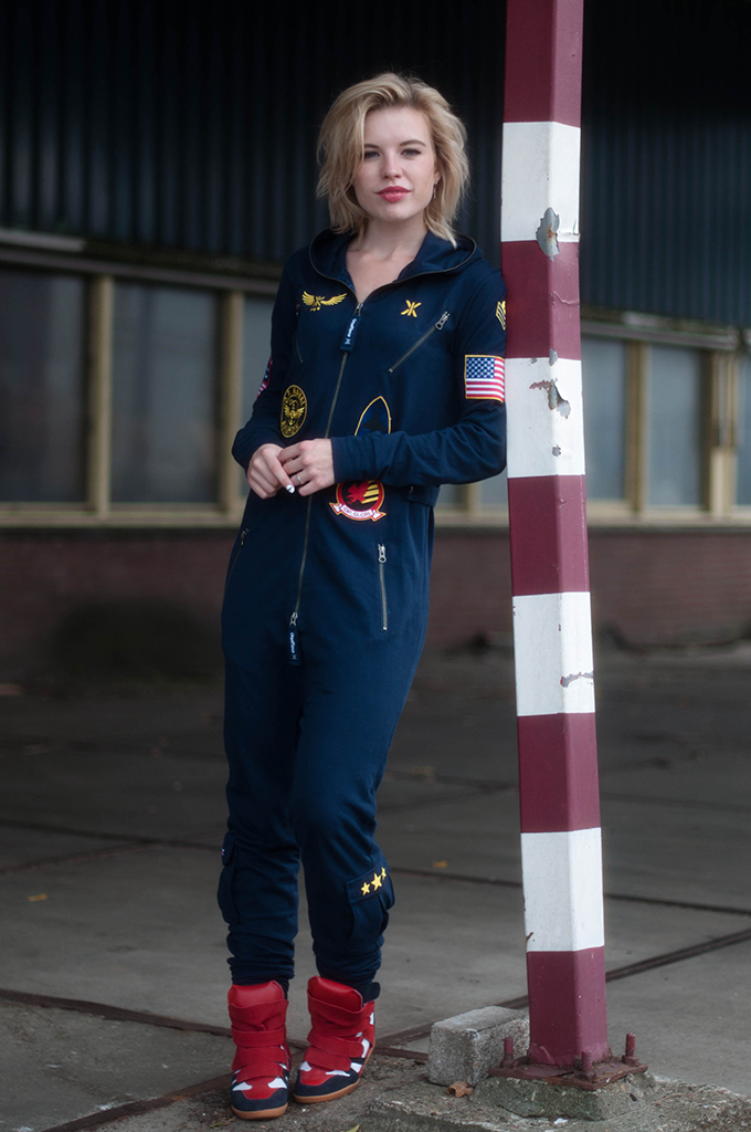 RED REIDING HOOD: Fashion blogger wearing OnePiece jumpsuit aviator onesie street style isabel marant wedge sneakers
