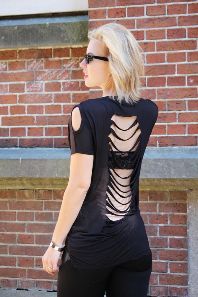 RED REIDING HOOD: Fashion blogger wearing open back slashed T-shirt cut out shoulders