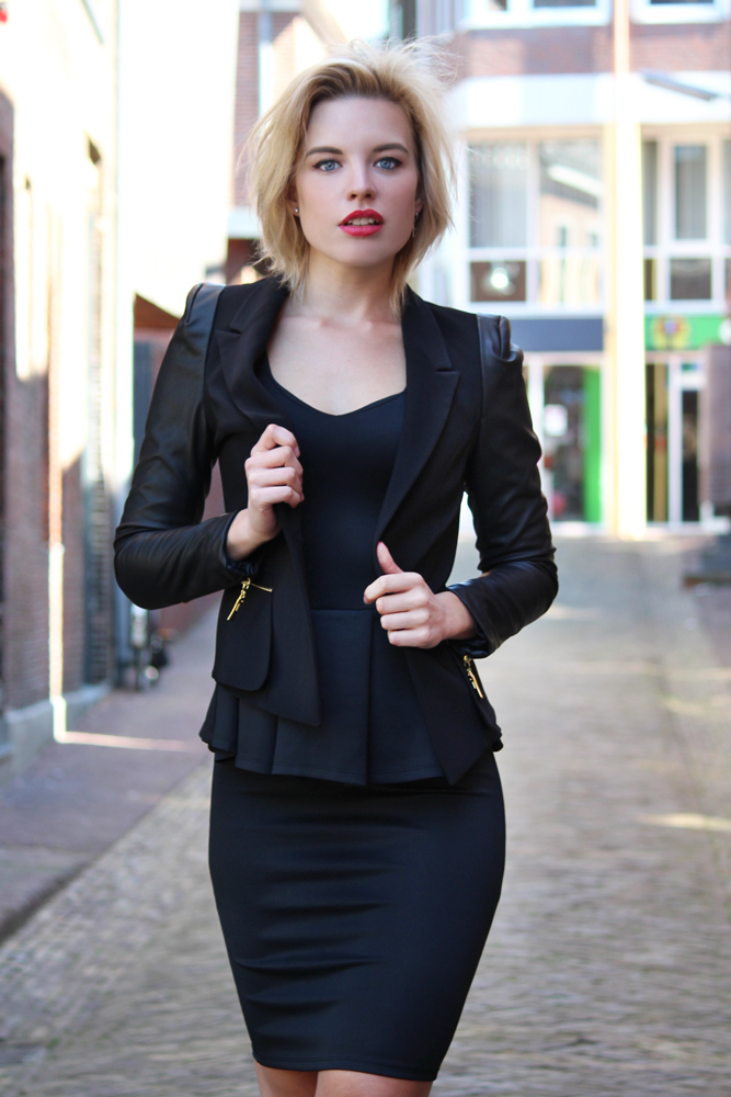 RED REIDING HOOD: Fashion blogger wearing peplum dress street style all black everything model off duty outfit chic look