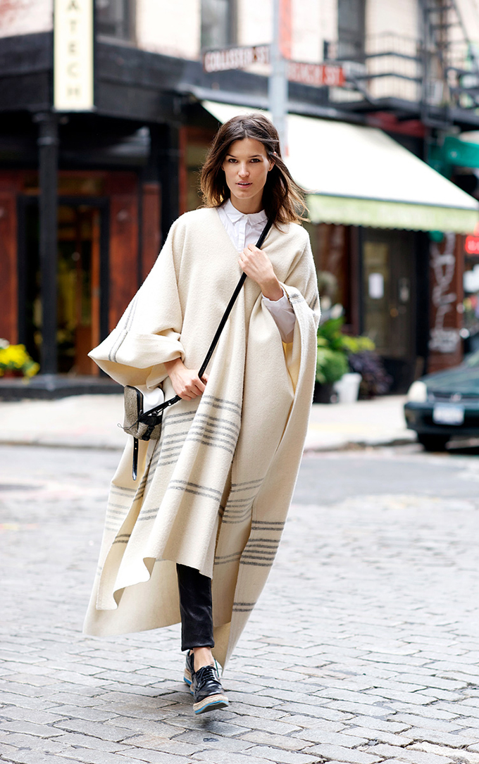 RED REIDING HOOD: Fashion blogger Hanneli Mustaparta wearing cape model off duty look oufit street style