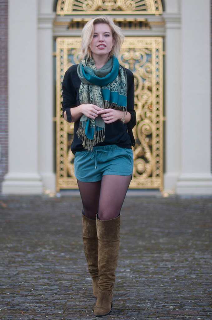 RED REIDING HOOD: Fashion blogger wearing pashima scarf blue suede shorts Zara street style over the knee boots