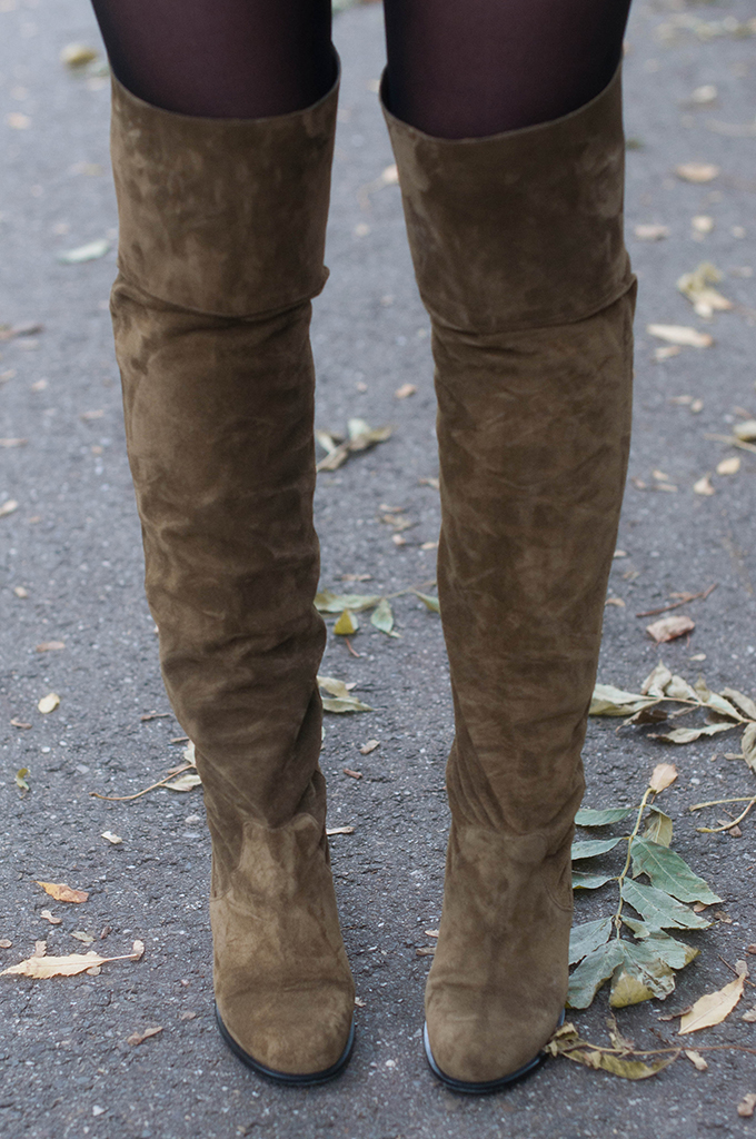 RED REIDING HOOD: Fashion blogger wearing Control over the knee boots topshop