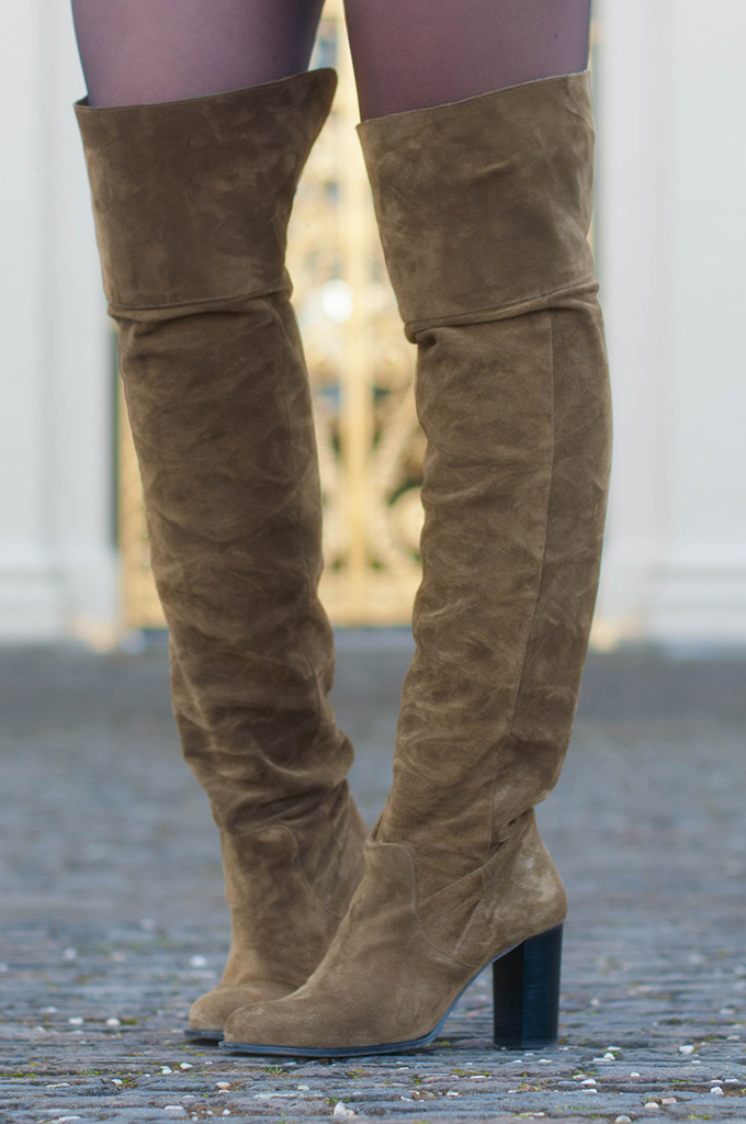 RED REIDING HOOD: Fashion blogger wearing suede over the knee boots topshop control boots street style outfit details