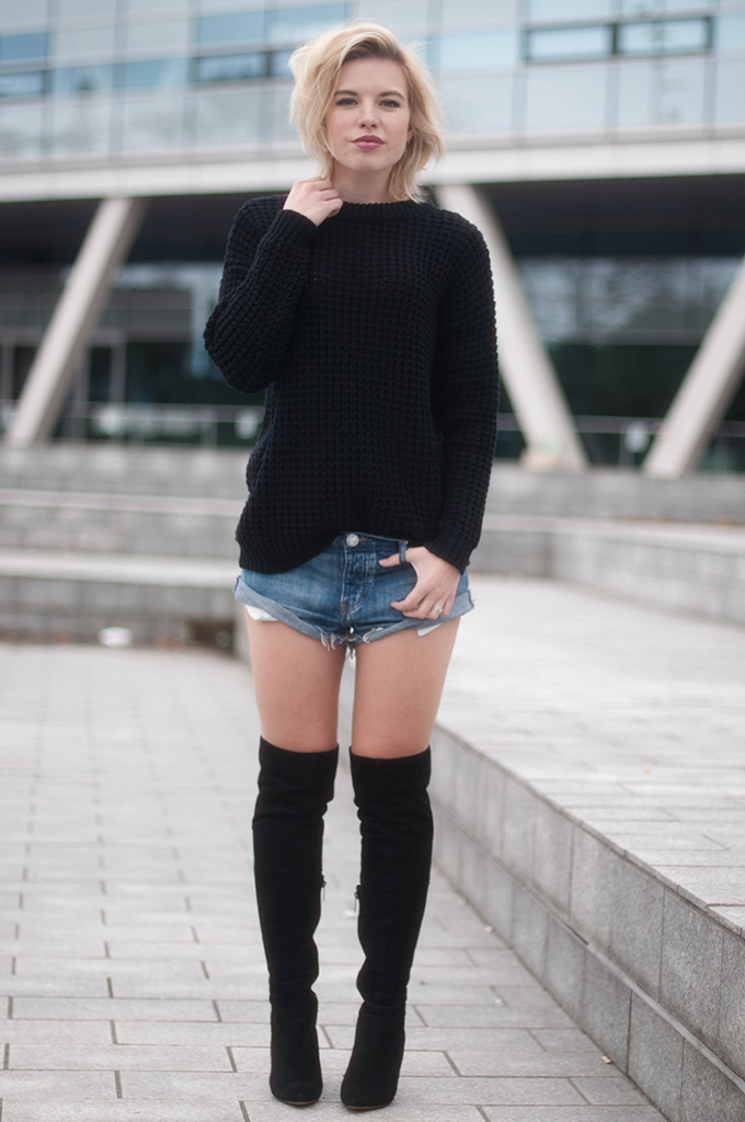 RED REIDING HOOD: Fashion blogger wearing over the knee boots duo boots Vespa street style one teaspoon shorts