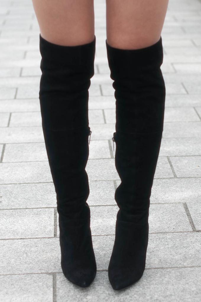 RED REIDING HOOD: Fashion blogger wearing suede DUO boots Vespa over the knee boots overknee laarzen