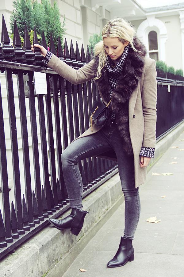 RED REIDING HOOD: Fashion blogger Anouk Yve chelsea boots street style london