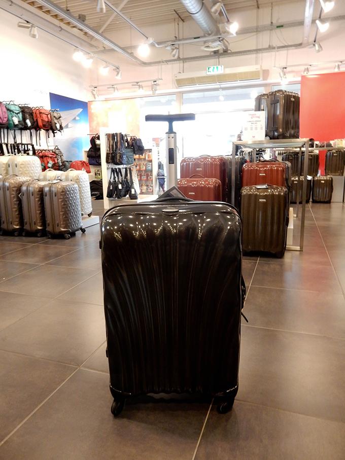 RED REIDING HOOD: Blogger event happy giving hunt designer outlet christmas shopping samsonite cosmolite suitcase