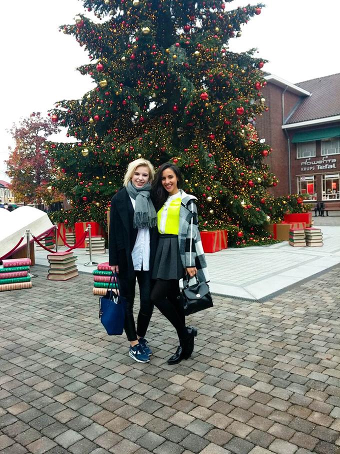 RED REIDING HOOD: Fashion bloggers formulafarah christmas shopping designer outlet roermond event
