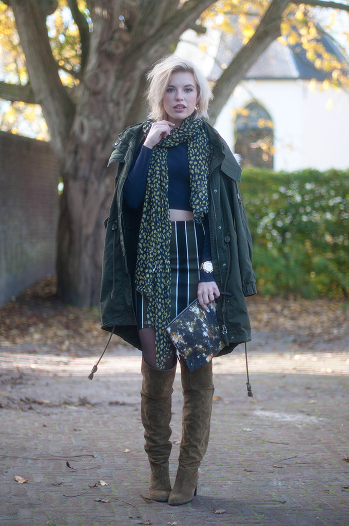 RED REIDING HOOD: Fashion blogger wearing american vintage clutch scarf street style topshop control over the knee boots monki parka coat cropped top H&M trend