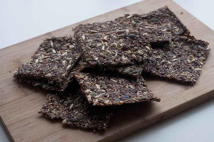 RED REIDING HOOD: Healthy food recipe de voedselzandloper recept crunchy crackers homemade knapperige crackers seeds zaden
