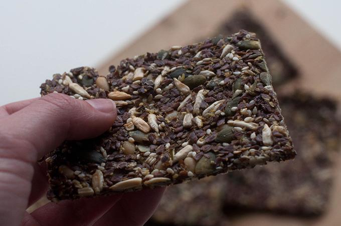 RED REIDING HOOD: Recipe food recept de voedselzandloper crunchy crackers seeds healthy homemade knapperige crackers