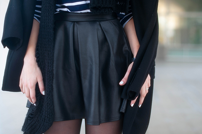 RED REIDING HOOD: Fashion blogger wearing boohoo wet look skater skirt outfit details