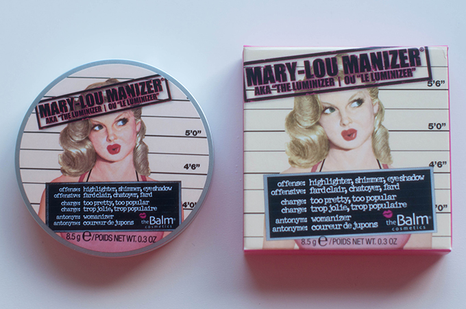 RED REIDING HOOD: Beauty blogger review the balm mary-lou manizer highlighter packaging mugshot