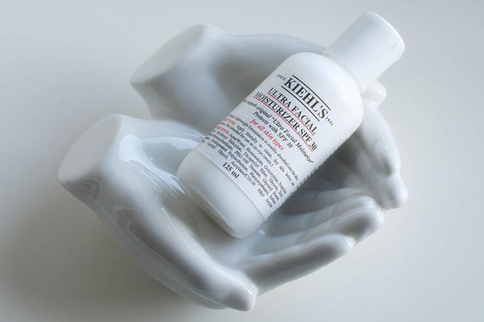 RED REIDING HOOD: Beauty blogger review Kiehl's ultra facial moisturizer spf 30 dry skin sunscreen kim kardashian