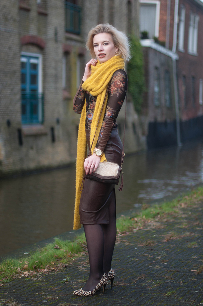 RED REIDING HOOD: Fashion blogger wearing mustard yellow super long scarf outfit snakeskin python leather pencil skirt miss etam limited edition