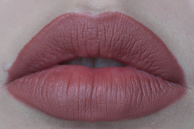 RED REIDING HOOD: Beauty mac spice lipliner swatch close-up full lips review kylie jenner lips 10$ lip injections
