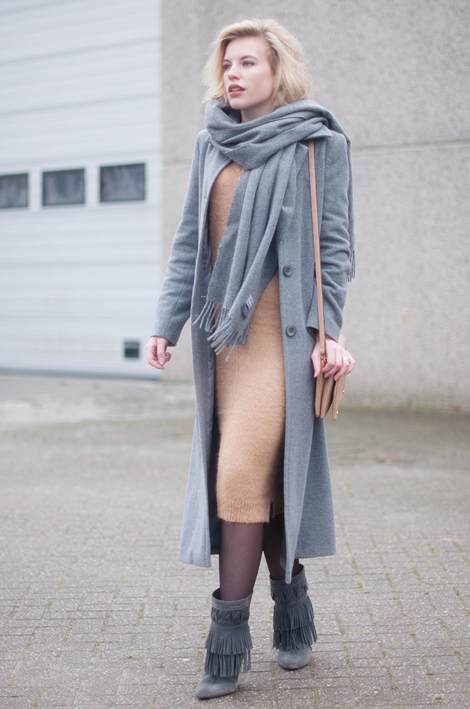 RED REIDING HOOD: Fashion blogger wearing midi mohair knit dress asos street style ance canada wool scarf outfit fringe boots