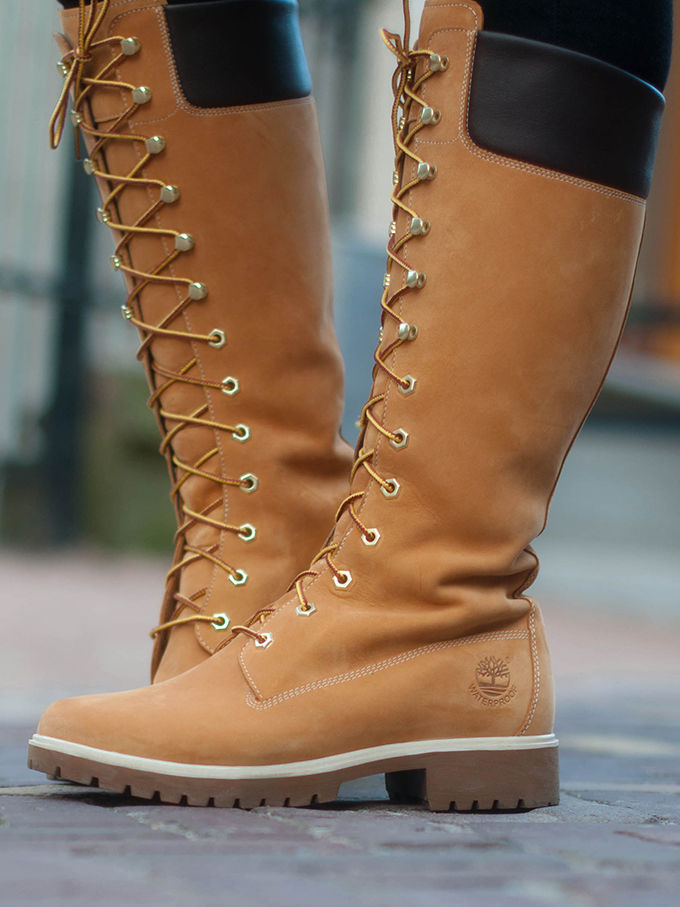RED REIDING HOOD: Fashion blogger wearing timberland lace-up boots outfit details