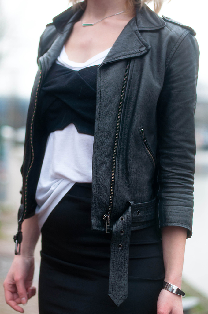 RED REIDING HOOD: Fashion blogger wearing leather jacket street style bustier tee pinstripe bralet t-shirt outfit details