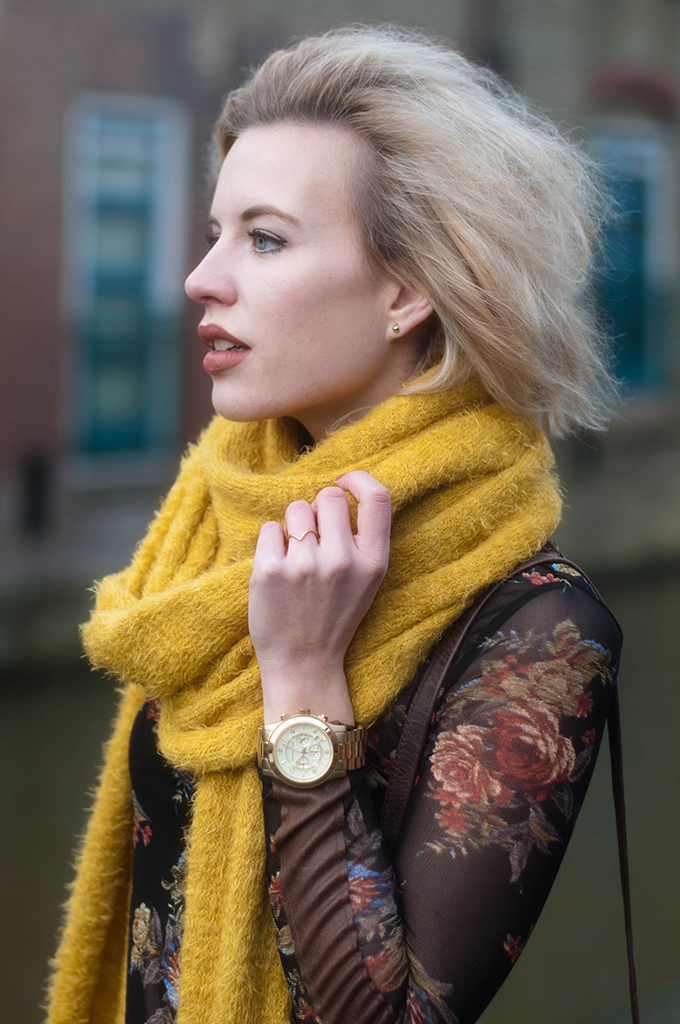 RED REIDING HOOD: Fashion blogger wearing mustard yellow scarf gold michael kors watch outfit details miss etam