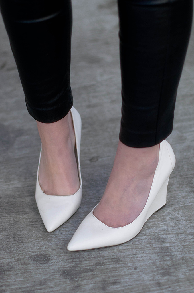 RED REIDING HOOD: Fashion blogger wearing mango pointy wedge pumps white shoes outfit details