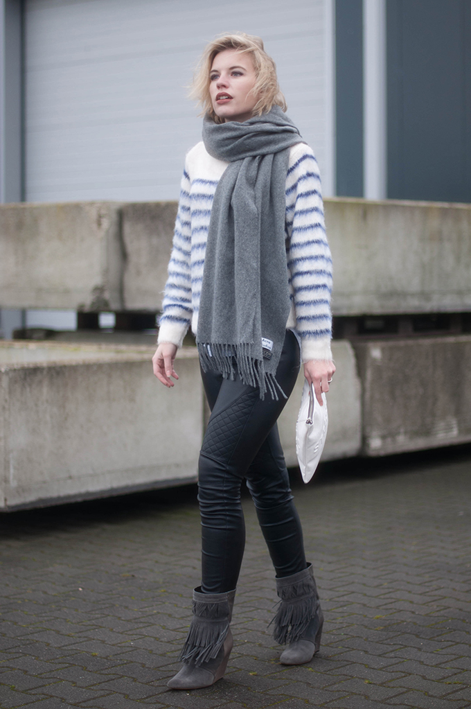 RED REIDING HOOD: Fashion blogger wearing fringe boots street style acne studios canada wool scarf stressed but well dressed clutch zara