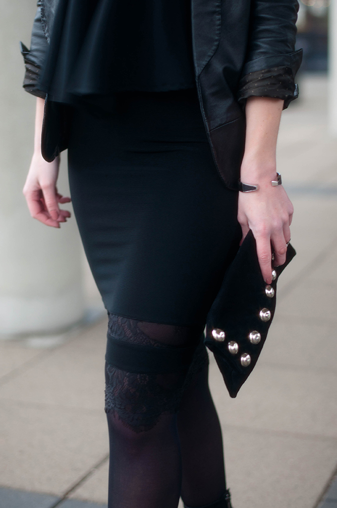 RED REIDING HOOD: Fashion blogger wearing all black everything outfit details party look suede studded clutch lace skirt